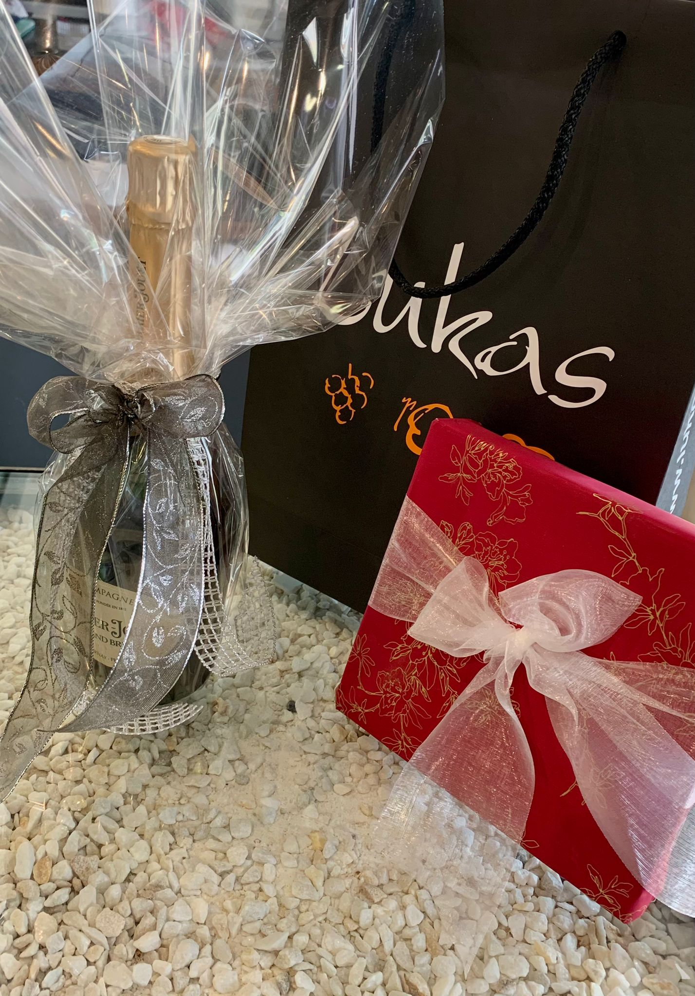 Crea tu regalo personalizado en Lukas Gourmet